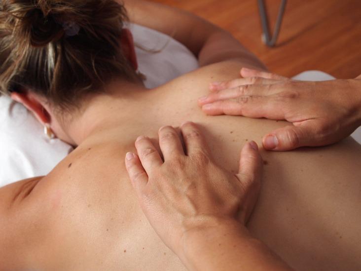Masaż BODY WORK to kompleksowe połączenie masażu i ruchu dla dobra Twojego ciała i ducha.