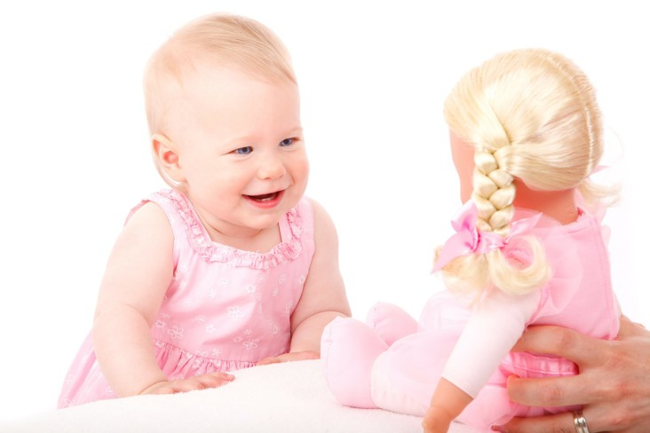 Poznaj swoje dziecko – rozwój percepcji oraz mowy u maluchów