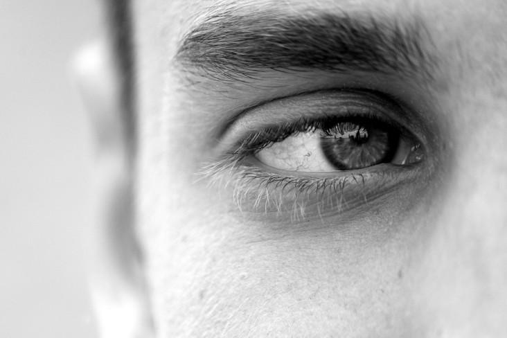 Porażenie nerwu twarzowego – przyczyny, leczenie, rehabilitacja